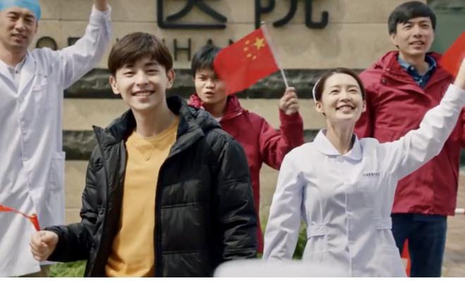 《【杏鑫平台最大总代】《在一起》邓伦演大连小伙抗疫故事 原型客串拍摄》