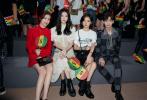 8月6日,万茜、奚梦瑶、白敬亭、虞书欣出席时尚品牌男装发布会同排看秀,神仙同框颜值超高。