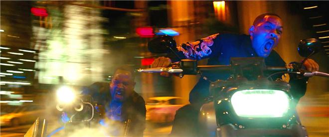 新《绝地战警》曝硬核看点视频 史皇花式飙车漂移