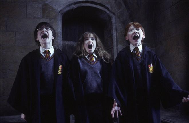 《哈利波特与魔法石》8.14上映 传世经典绚丽重现
