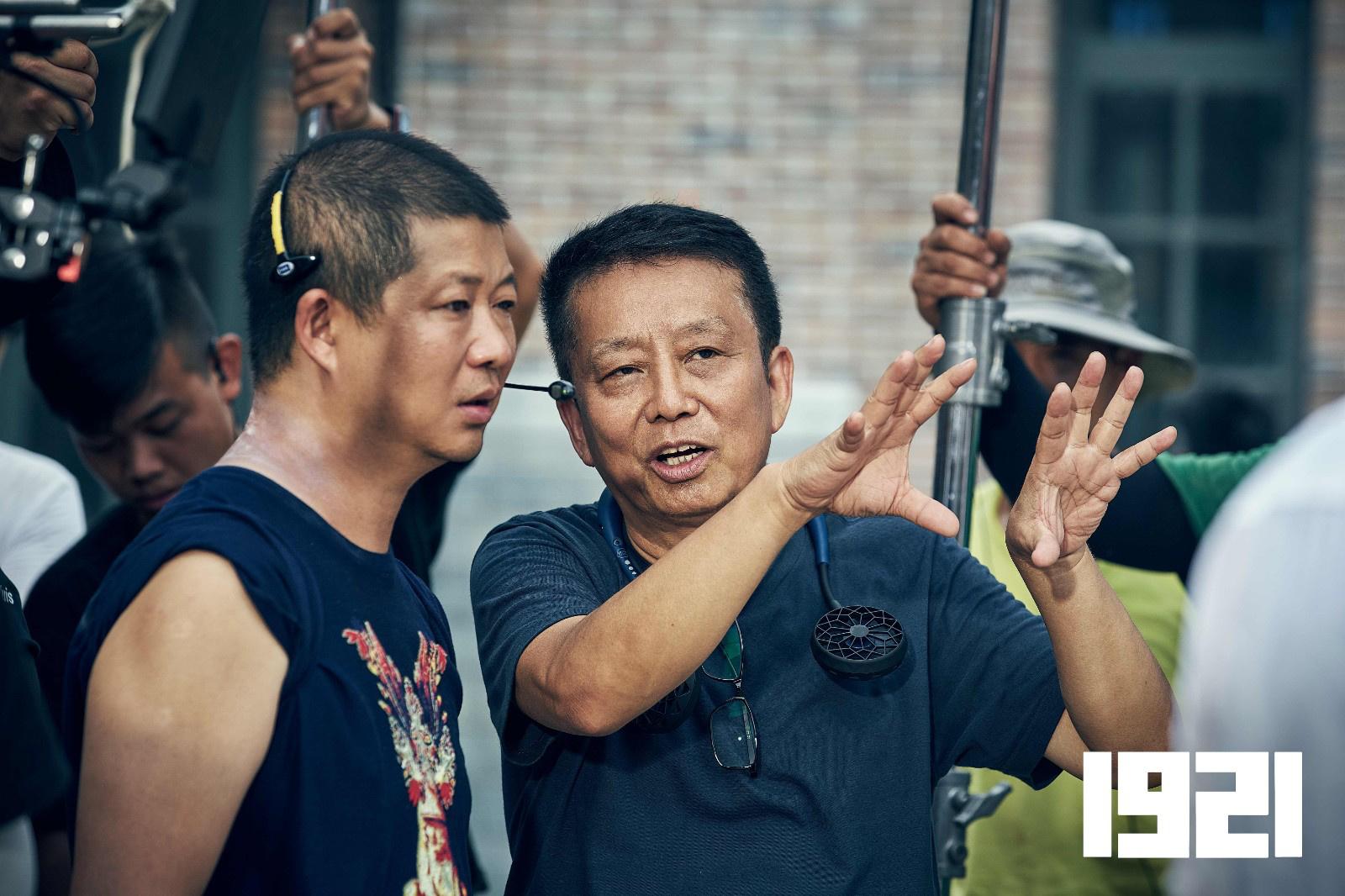 李晨加盟《1921》 现身片场为摄影指导曹郁庆生