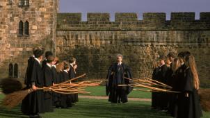"""《哈利·波特与魔法石》""""初次飞行""""片段"""