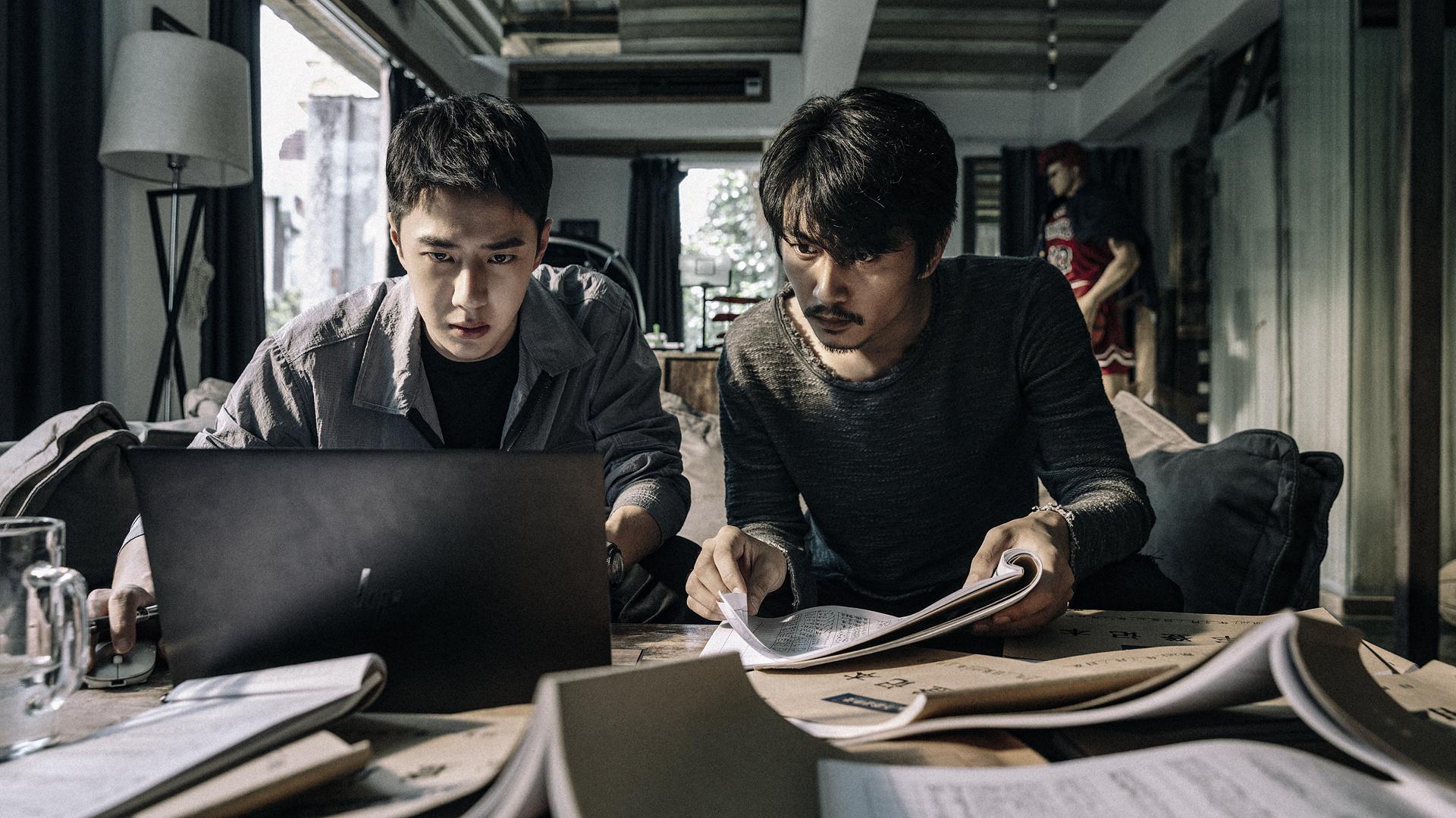 环球ug开户:《冰雨火》角色剧照 王一博眼神有戏陈晓侧颜帅气 第1张