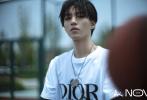 8月20日,王俊凱成為《嘉人NOW》創刊封封面人物拍攝的時尚大片線上率先發布,同時開啟1萬冊限量預售。