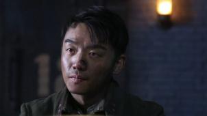 《八佰》幕后揭秘 郑恺如何拍摄片中最飙泪戏份