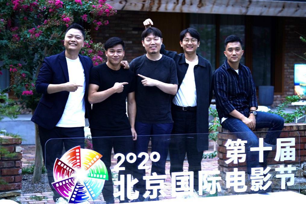 """皇冠官网手机版:""""中国青年导演崛起之路""""举行 杨子顾晓刚对谈 第1张"""