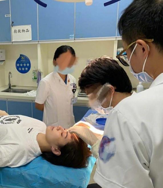 allbet手机版下载:杨受成透露钟欣潼伤势细节 或需要做第二次手术 第1张