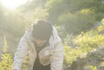 """9月9日,陈坤通过微博分享了一组""""行走的力量""""在内蒙古多伦湖的营地大片,记录这个心灵公益项目第十年的心路历程。"""