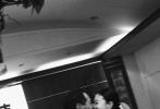 """9月9日,杨祐宁通过微博分享了一组浪漫温馨的写真照,宣布与未婚妻Malinda Wang的结婚喜讯。随后,杨祐宁的姐姐通过个人社交账号送上对弟弟的祝福,""""开心、幸福、踏实的一天。祝福你们~在婚姻里饱尝甜美的果实,一起发现藏在生命年岁里的宝藏,一生相爱。"""""""