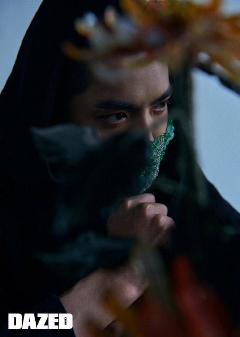 环球ug注册:吴亦凡时尚大片公布 戴雕金玉面口罩彰显东方气韵 第3张