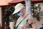 當地時間9月12日,美國加州,凱蒂·佩里現身出街購物。這是她誕下女兒黛西2周后首次公開露面。