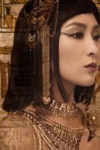 马苏分享异域风情美照扮埃及艳后 妆容魅惑气场强