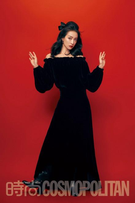 宋茜暗黑公主造型登封 气场全开展绝佳时尚表现力 第3张