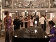 新《尼罗河上的惨案》再发剧照 加朵汉莫甜蜜共舞