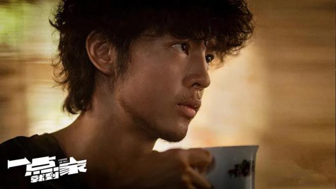 《一点就抵家》百花奖首映 刘昊然彭昱畅显示皆可 第9张