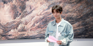 《记住这个画面》拍MV 王俊凯易烊千玺遇见自己
