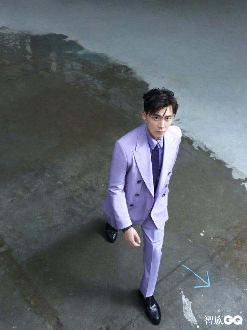 五大男刊满贯!李易峰登时尚杂志 新发型不用发胶 第8张