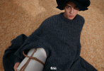 9月29日,吴磊成为《时尚先生·fine》封面人物拍摄的时尚大片曝光。置身静谧海滩,简约秋装造型硬朗有型。秋日针织背心裹身,秀出少年的美好身材,胸肌和手臂肌肉十分惹眼,伴随成长的少年气愈加迷人有魅力。