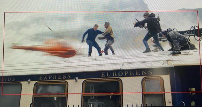 《碟中谍7》片场视频 阿汤哥拍摄高难度火车场面