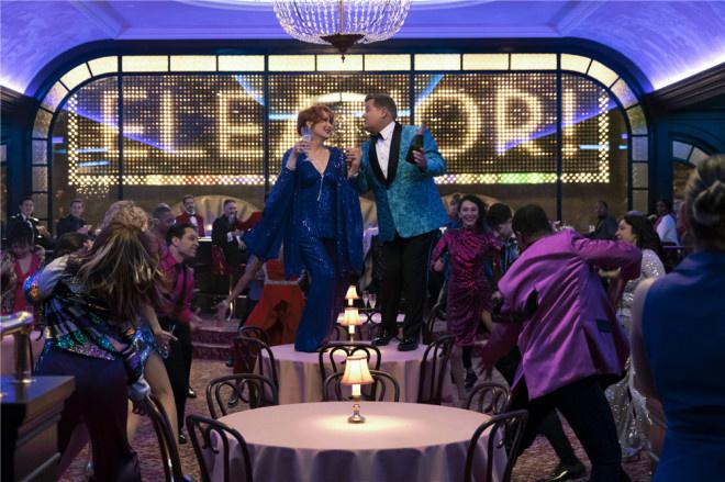《舞会》曝剧照 梅丽尔和妮可等全明星集结唱跳