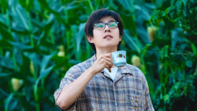 《一点就到家》杭州路演 刘昊然、许宏宇贴心鼓励影迷