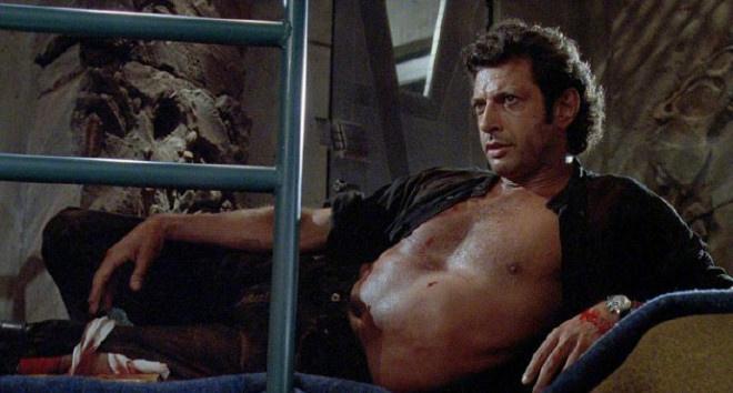 杰夫·高布伦敞胸露怀 重现《侏罗纪公园》中造型