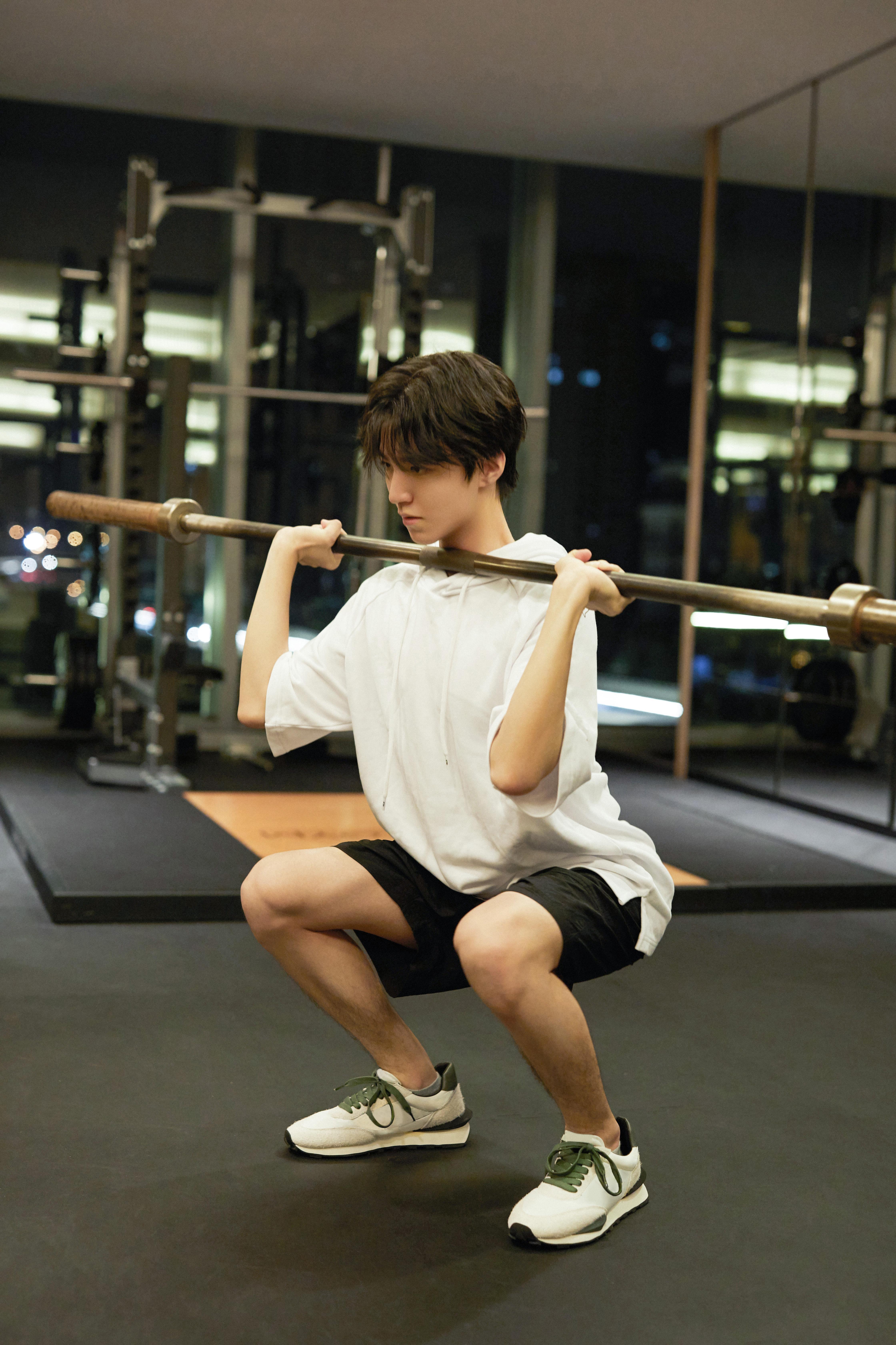王俊凯诙谐回应整容听说:这说明我健身卓有成效 第5张