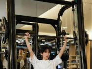 王俊凯幽默回应整容传闻:这说明我健身卓有成效