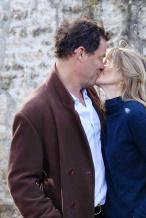 50岁人夫吻爱妻发声明回应丑闻 詹莉莉插足秒被甩