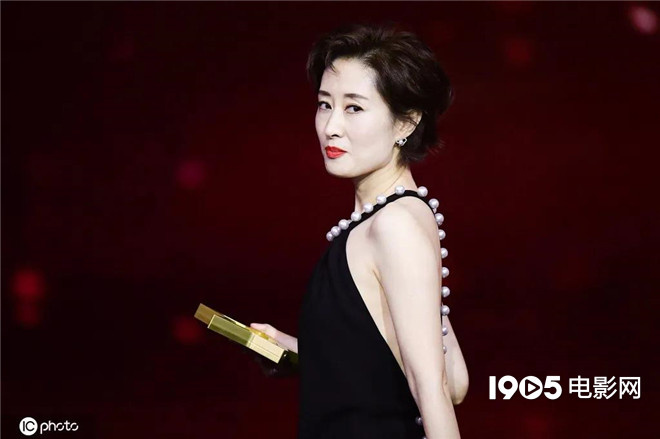 五戏同档!44岁的刘敏涛被中年女演员们羡慕了 第7张