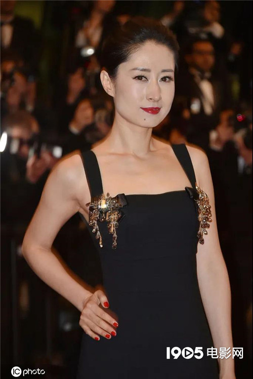 五戏同档!44岁的刘敏涛被中年女演员们羡慕了 第6张