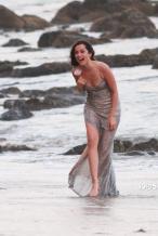 大本看了想打人!女友安娜拍广告 与男模沙滩热吻