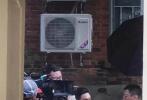 10月23日,一组张艺兴新剧《扫黑风暴》的路透曝光。在照片中,张艺兴梳着油头穿着夹克,干练又精神。路透照中,还看到了孙红雷和江疏影的身影,这是张艺兴继《好先生》后和孙红雷、江疏影的再度合作。