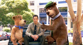 两只小熊太调皮,为了一点吃的,差点把森林公园弄破产