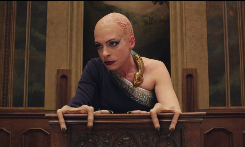 安妮·海瑟薇《女巫》中造型怪异 引残障人士抗议