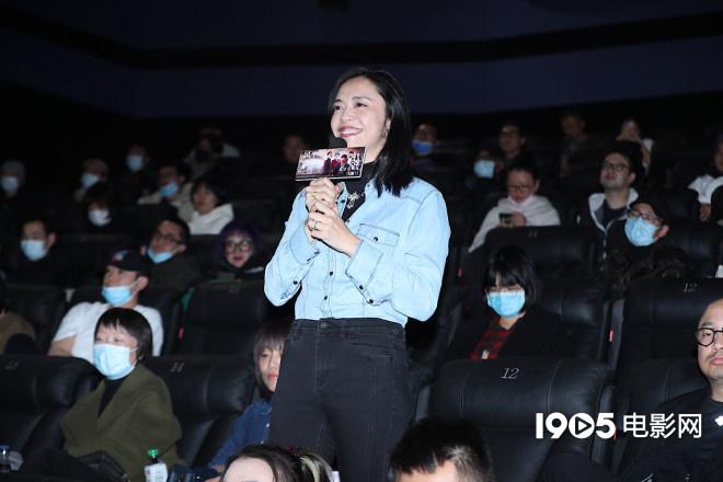 黄渤徐峥《风平浪静》首映互怼 宋佳章宇获表白