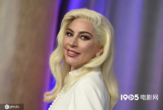 usdt钱包支付(caibao.it):Lady Gaga加盟影戏《子弹列车》 同伴布拉德·皮特