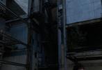"""11月23日,""""甜茶""""蒂莫西·柴勒梅德通过个人社交账号分享了一组自己的生活照,记录了他近日在世界各地游玩时的照片,还有一些构图新颖的美图,大方公开了帅哥的生活日常。甜茶全副武装等待检疫的模样甚是乖巧;坐在一片工业废墟前,落寞的背影加上昏暗的色调呈现出大片的质感。"""