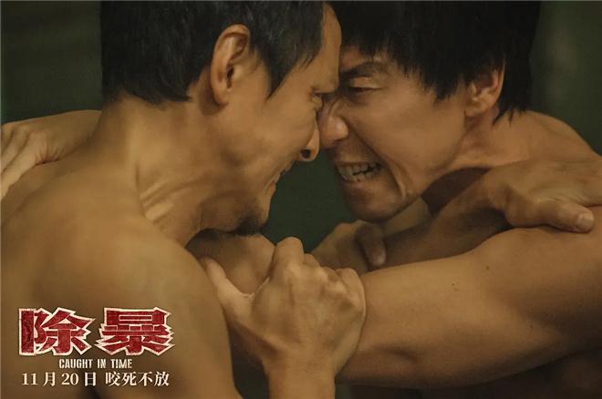 """从对抗到警察 王千源是如何成为""""警匪片的职业家庭""""的"""