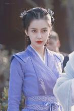Angelababy新剧造型曝光 粉衣清丽紫衣英气足