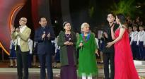 金鸡奖开幕式老艺术家王晓棠、谢芳等人献唱《我和我的祖国》