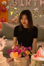 汪峰章子怡为小苹果庆生 一家四口拥抱合影超幸福