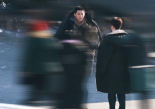 打雪仗吗?范丞丞王安宇《左肩有你》曝同框路透