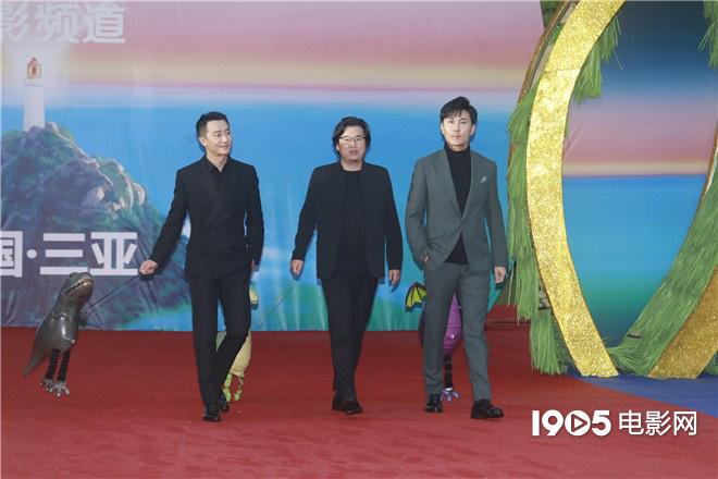 海南岛电影节红毯星光熠熠 成龙章子怡佟丽娅亮相 第6张