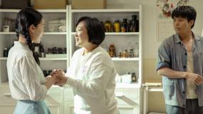 """《你好,李焕英》""""这是什么样的家庭啊""""版预告"""
