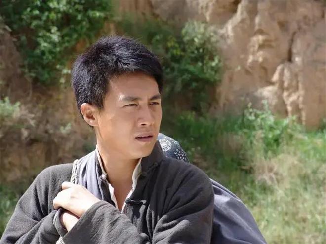 usdt钱包支付(caibao.it):上综艺变唱跳菜鸟,中年男演员们能借此翻红吗? 第6张