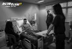 由邱禮濤執導,劉德華監制兼領銜主演,劉青云、倪妮領銜主演的《拆彈專家2》已于12月24日全國上映。目前票房已突破4億,在各大平臺都取得了高分評價,也成為賀歲檔華語片口碑第一的電影。工作日觀眾的觀影熱情依然不減,也讓本片連續5天斬獲當日票房冠軍,排片還在持續增加。
