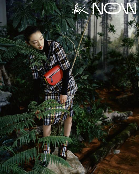 usdt官网下载(www.6allbet.com):少女突入热带雨林!周冬雨登封演绎英伦格调大片