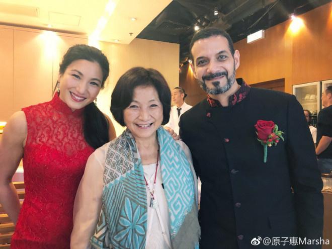 usdt交易所(www.caibao.it):郑佩佩女儿原子惠和老公一起拍孕肚写真 体态纤瘦