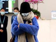 倪妮包裹严实亮相机场不见脸 赴杭州准备话剧演出